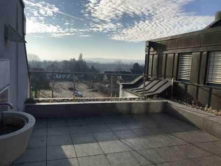 Traumhaft schöne Penthouse Wohnung – 5 Zimmer, Kamin, 2 Balkone, 1 Dachterrasse