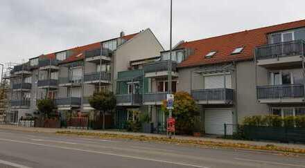 Helle, gepflegte 2-Zimmer-Wohnung mit Balkon und Einbauküche in Neusäß