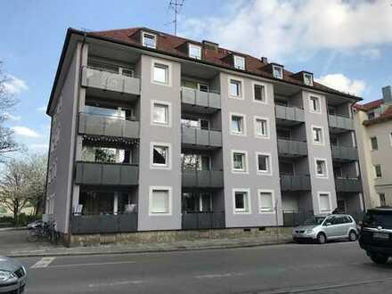 Exklusive, sanierte 3-Zimmer-Wohnung mit Balkon in münchen