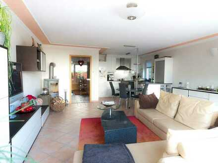 Gepflegte,helle,ruhige EG-Wohnung, letztes Haus in Sackgasse mit 3 Zimmern, Garage & Kamin in Borken