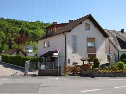 *HTR Immobilien GmbH* Schönes 2-FH, Nebengeb. mit 2 Appartm. + Garage, Garten