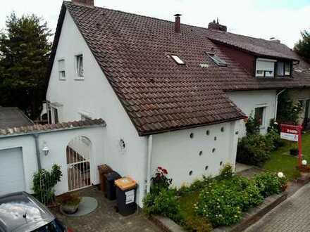 LAMDA in Misburg - NEUER PREIS 449.000,- € - Schönes 1-2 Familienhaus in gesuchter Lage !!!