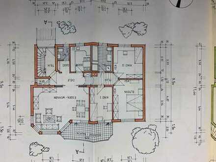 Gepflegte 4-Zimmer-Wohnung mit Balkon und EBK in Karlsruhe
