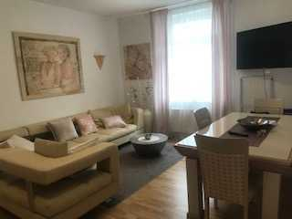 Stilvolle 2-Zi. -City-Wohnung mit Balkon und Einbauküche in Wiesbaden