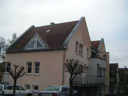 Schöne, helle 4-Zi-WO mit Balkon ins Grüne in bevorzugter innenstadtnaher Lage