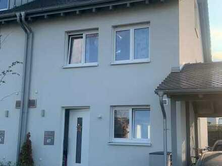 Neuwertige 6-Zimmer-Doppelhaushälfte mit EBK in Rauenberg