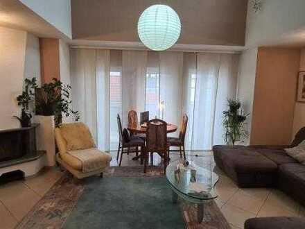 4-Zimmer Maisonette-Wohnung mit Kamin, offener Galerie und Balkon