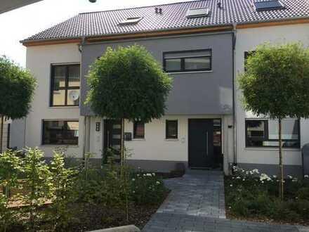 Schönes, voll möbliertes Haus mit fünf Zimmern in Schwetzingen