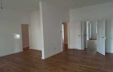 Schöne vier Zimmer Wohnung in Karlsruhe, Weststadt