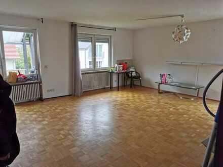 Modernisierte 3-Zimmer-Wohnung mit Balkon in Toplage von Kirchzarten
