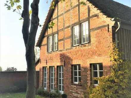 traumhafte Wohnung auf historischem Vierseithof 1. OG -Reiter willkommen-