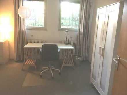 Möbl. Privatzimmer an weibl. Mitbewohnerin (Wochenendheimfahrerin) in Knielingen ab 01.10. zu vermi
