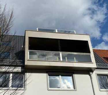 Exklusive 3,5 Zimmer-Penthouse-Wohnung / Stadthaus mit Wintergarten und Dachterrasse Erstbezug