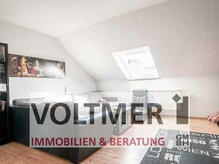 HOCH HINAUS helle Dachgeschosswohnung mit Einbauküche in Ottweiler