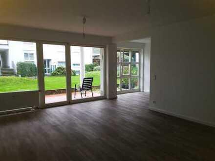 Vollständig renovierte 3-Zimmer-Erdgeschosswohnung mit Balkon in Usingen