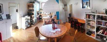 WG Zimmer in schöne und grosse Wohnung in Viertel Bremen