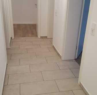 Erstbezug nach Modernisierung: freundliche 4-Zimmer-Hochparterre-Wohnung mit Balkon in Stuttgart