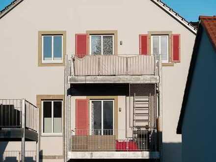 Schöne, helle, grundsanierte 3 Zimmer Altbau Dachwohnung in Würzburg (Kreis), Reichenberg