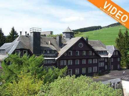 Exklusive Lage - direkt am Skihang -- mit der Preisvorstellung von 990.000 €