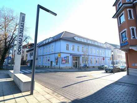 **Sagenhafte Lage** direkt an der Donau für Gastro, Büros, Franchising, etc. im Postbankgebäude