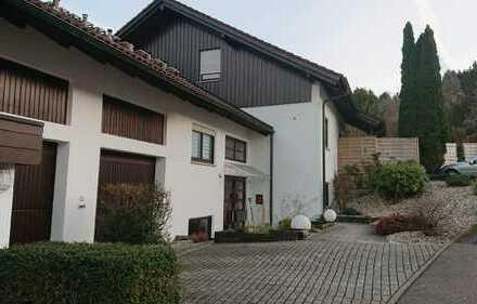 Gepflegte 2-Zimmer-Wohnung mit Balkon und EBK in Gernsbach