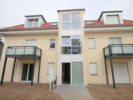 TOP-LAGE IN WEISSENSEE! komplett möbliertes 1 Zimmer Apartment im DACHGESCHOSS