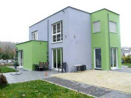 Neuwertig - Sehr schönes modernes Wohnhaus in absolut ruhiger Lage