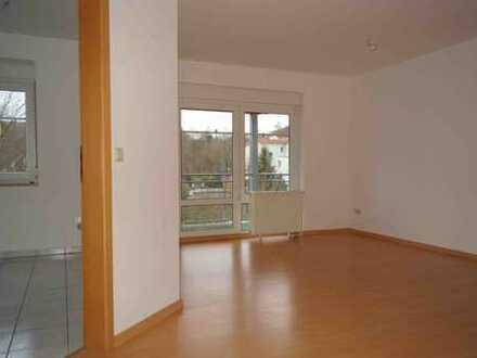 Dachgeschoss-Wohnung mit 4-Zimmer ruhig gelegen nahe Geraer Stadtwald