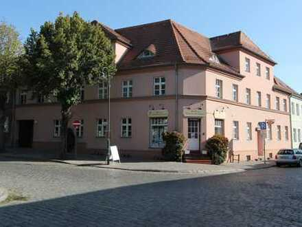 Altlandsberg, 2-Zimmer Dachgeschoss zentral, Sanierter AB
