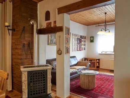 Einfamilienhaus mit 4,5 Zimmer, 127qm Wohnfläche, 639qm Grundstück mit toller Scheune zu verkaufen