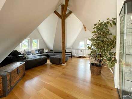 Altbau-Maisonette-Wohnung mit Balkon und EBK in Esslingen am Neckar
