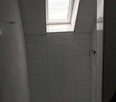 Schöne, vollständig renovierte 2-Zimmer-DG-Wohnung zur Miete in Ahlen