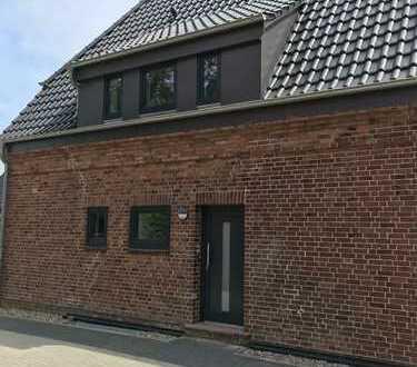 EFH, 6 Zimmer, offene Küche, 2 Bäder & Gäste WC, Balkon und Terrasse
