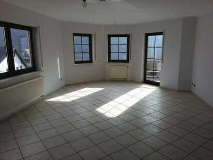 gepflegte 3-Zimmer-Wohnung mit Balkon in Moselkern