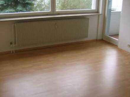 Kapitalanlage: Gepflegte helle 3-Raum-Wohnung mit Balkon in Külsheim