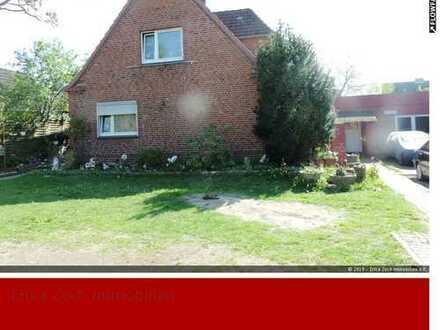 Einfamilienhaus plus Bungalow in 23569 Lübeck-Dänischburg