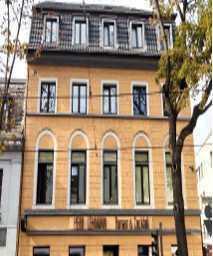 Wohn- und Geschäftshaus in zentrale Lage