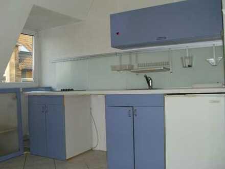 Modernisierte 2,5-Zimmer-DG-Wohnung in DO-Brechten mit Einbauküche in Dortmund