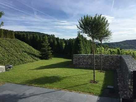 Exklusive familienfreundliche 4,5 Zimmer Wohnung mit Garten und herrlichem Ausblick über Winnenden