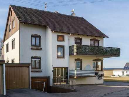 Schöne, großzügige 3,5-Zimmer Etagenwohnung mit Terrasse und Balkon in Altensteig-Spielberg