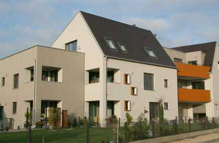Neuwertige 2,5-Zimmer-Erdgeschosswohnung mit Terrasse und Einbauküche in Tapfheim