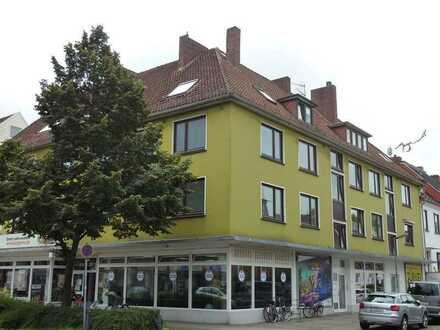 Sofort beziehbar! Modernisierte 2-Zimmer-Wohnung mit Balkon