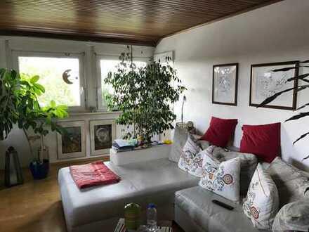 Schöne 4-Zimmer-Dachgeschosswohnung zur Miete in Dreieich