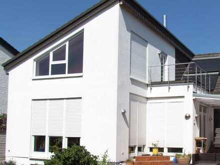 Gepflegtes 6-Zimmer-Einfamilienhaus mit großem Garten und EBK in Dudenhofen/Speyer