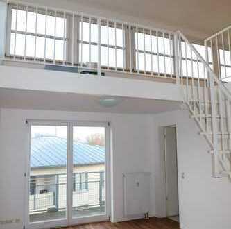 Helle 3 Zimmer Maisonette-Wohnung mit Galerie, Balkon und TG Stellplatz