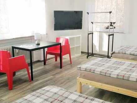 Gästehaus: möblierte Zimmer mit TV, Wlan, EtagenDusche/WC, Gästeküche, Einzelbetten, ab 1 Monat