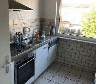 Helle 3-Zimmer-Wohnung mit Einbauküche in Kriftel