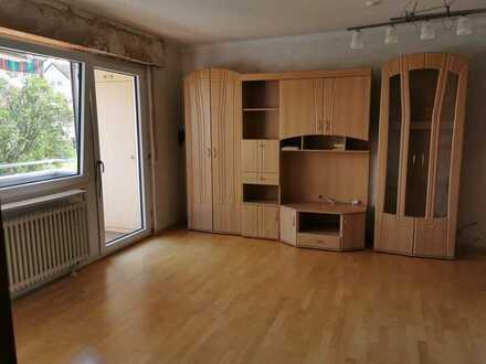 Exklusive, sanierte 2-Zimmer-EG-Wohnung mit Balkon und Einbauküche in Esslingen (Kreis)