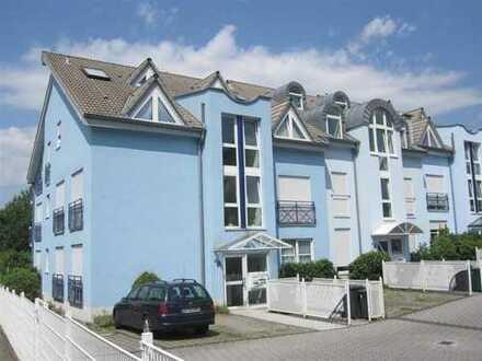 Gepflegte 3-Zimmer-Maisonette-Wohnung mit Balkon und Einbauküche in Hemsbach
