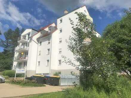 NEU: Herrliches Wohnen mit eigener Terrasse und viel Grün in gepflegter Wohnanlage